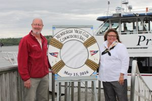 Picture of Commodore Greg Domboski and his wife Linda.