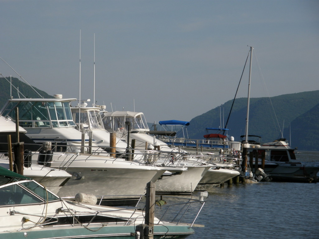 Picture of the calm water at  Newburgh Yacht Club Marina
