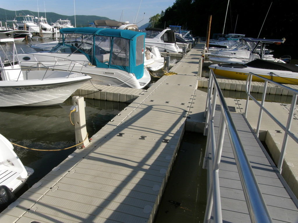 Picture of New docks at Newburgh Yacht Club